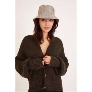 NWT Urban Outfitter Plaid Pocket Bucket Hat